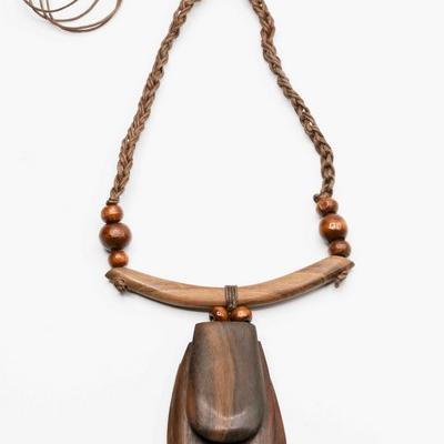 Collier c40 en bois et perle