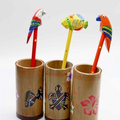 Pot crayon bambou peint